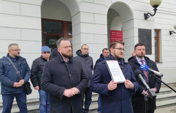 """Ruch Narodowy apeluje do władz Białej Podlaskiej o """"walkę o polską edukację za Bugiem"""""""